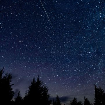 Perseid_Meteor_Shower_(201508130001HQ)