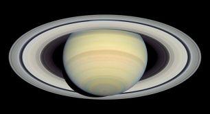 800px-Saturn_HST_2004-03-22