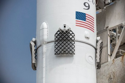 1024px-Second-generation_titanium_grid_fins,_Iridium-2_Mission_(35533873795)