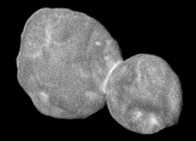 800px-First_color_image_of_Ultima_Thule_(LORRI_crop,_sharpened)